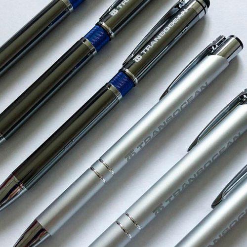Pildspalvas ar gravējumu Transocean