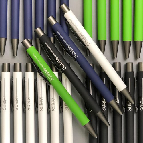 Pildspalvas ar gumijotu korpusu – SOLAVI