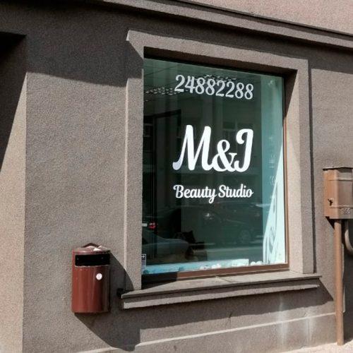 M&J loga noformējums
