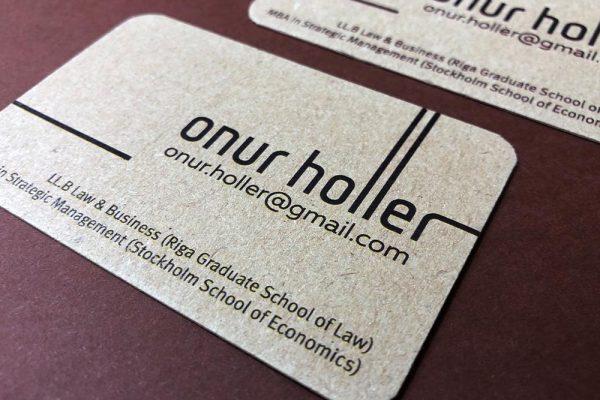 0_0000s_0007_onur_holler_vizitkartes