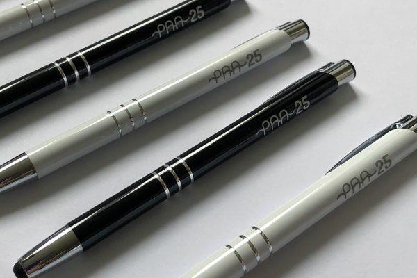 paa_pildspalvas